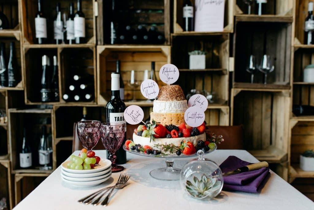 Das ist eine Käsetorte vom Hochzeitsplaner organisiert.