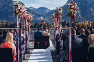 Das ist eine freie Trauung in Füssen am See.