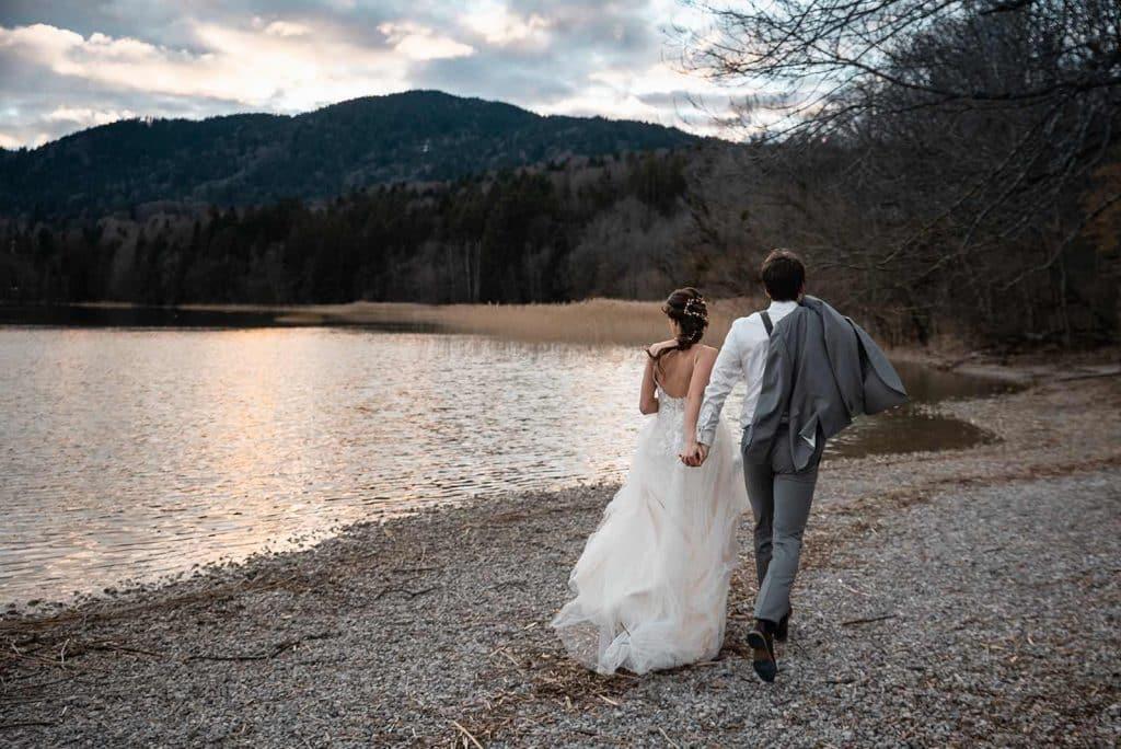 Hochzeit am See im Gut Kaltenbrunn mit Hochzeitsplaner.
